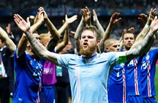 Màn ăn mừng theo tinh thần chiến binh Viking của Iceland