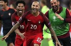 """Cận cảnh màn """"đấu súng"""" nghẹt thở đưa Bồ Đào Nha vào bán kết"""