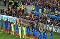 """Iceland khó chịu khi Pháp """"trộm"""" kiểu ăn mừng phong cách Viking"""