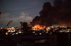 Người biểu tình tức giận phóng hỏa tòa nhà Quốc hội Gabon