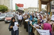Hàng nghìn người đình công kêu gọi lập chính quyền dân sự tại Sudan