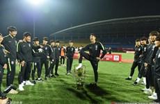U18 Hàn Quốc gây sốc khi giẫm chân lên cúp vô địch tại Trung Quốc