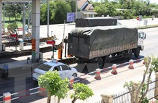 Xe bám đuôi vượt Trạm thu phí BOT Quảng Trị tăng đột biến
