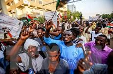 Sudan: Quân đội thừa nhận có sự cố trong việc giải tán người biểu tình
