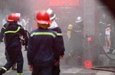 Hà Nội: Cứu 25 du khách mắc kẹt trong đám cháy tại Khách sạn A25