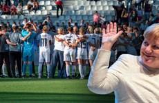 Thủ tướng Angela Merkel chúc mừng đội tuyển nữ Đức vào tứ kết