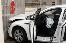Cảnh sát Hàn Quốc bắt giữ đối tượng lao xe vào Đại sứ quán Mỹ