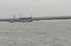 Nguy cơ tràn dầu từ con tàu chở 71 tấn bị chìm ở đảo Phú Quý