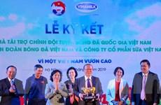 Vinamilk đồng hành cùng đội Tuyển Bóng đá Quốc gia Việt Nam