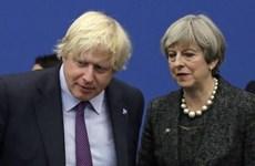 Bà May chúc mừng ông Johnson được bầu làm tân Thủ tướng Anh