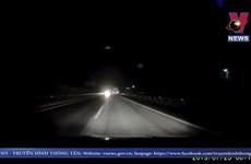[Video] Hãi hùng container đi ngược chiều trên cao tốc Nội Bài-Lào Cai