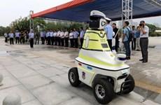 Trung Quốc: Sử dụng các robot nhằm hỗ trợ cảnh sát giao thông