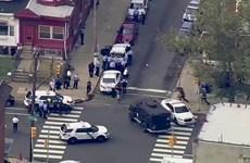 Video cảnh đấu súng nghẹt thở làm 6 cảnh sát Mỹ nhập viện