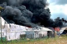TP. Hồ Chí Minh: Khống chế đám cháy kho xưởng ở huyện Hóc Môn