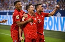 Lewandowski lập hat-trick, Bayern thắng vùi dập Schalke 04