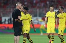 Dortmund thua thảm trước tân binh, Bayern thắng 'hủy diệt'