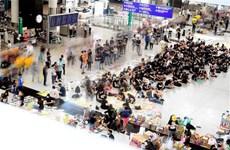 Người biểu tình làm gián đoạn nhiều hoạt động tại sân bay Hong Kong