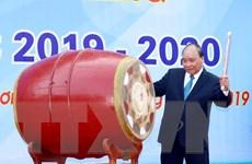 Thủ tướng đánh trống khai giảng tại Trường THPT Sơn Tây