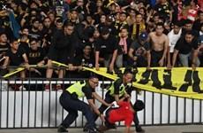 Cận cảnh CĐV Indonesia làm loạn sau trận thua ngược Malaysia