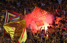 Lịch trực tiếp V-League: Hàng Đẫy không khán giả sau sự cố pháo sáng
