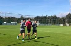 Đoàn Văn Hậu chủ động xin HLV Heerenveen cho ra sân tập luyện
