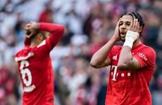 Bayern thua sốc tại Allianz, Dortmund đánh rơi chiến thắng