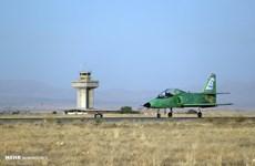 Iran tiết lộ máy bay huấn luyện tối tân được chế tạo trong nước