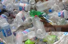 Chặng đường dài tìm 'ứng cử viên' sáng giá thay thế chai nhựa
