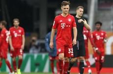 Bayern Munich chia điểm trước đội bóng trong nhóm 'cầm đèn đỏ'