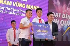 Quang Hải giúp fan giành vé đi Malaysia 'tiếp lửa' đội tuyển Việt Nam
