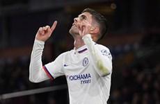 Premier League: Man City áp sát Liverpool, sao trẻ Chelsea lập kỷ lục