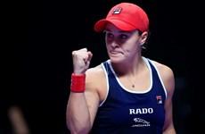 Hạ bệ nhà vô địch, Ashleigh Barty lần đầu đăng quang WTA Finals