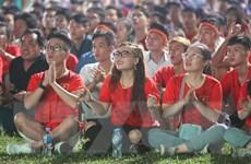 Người hâm mộ chờ đợi đội tuyển Việt Nam đánh bại Thái Lan