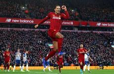 Liverpool bỏ xa Man City 11 điểm, Tottenham lại thắng kịch tính
