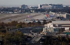 Mỹ: Máy bay chở đội bóng rổ của Đại học Kansas hạ cánh khẩn cấp