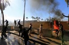 Thủ tướng Iraq yêu cầu người biểu tình rời khỏi Đại sứ quán Mỹ