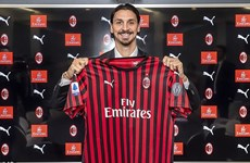 Zlatan Ibrahimovic chính thức trở lại AC Milan sau 8 năm xa cách