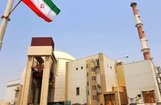 Động đất liên tiếp gần nhà máy điện hạt nhân của Iran