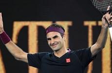 """Australian Open: Federer 'tốc hành,"""" thần đồng 15 tuổi hạ Venus"""