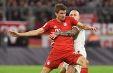 Bayern Munich giữ ngôi đầu sau trận 'đại chiến' không bàn thắng