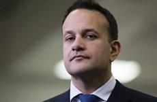 Thủ tướng Ireland ngầm chỉ trích quyết định sa thải ông Smith của Anh