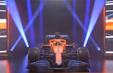 McLaren chính thức ra mắt mẫu xe mới cho mùa giải F1 2020