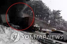 Tai nạn giao thông liên hoàn ở Hàn Quốc, nhiều người thương vong