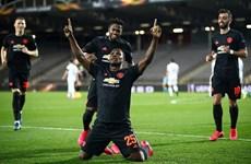 Thắng 'hủy diệt' 5-0, Manchester United đặt 1 chân vào tứ kết