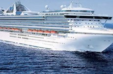 Cách ly hàng nghìn hành khách trên du thuyền vì ca nghi nhiễm COVID-19