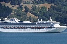 [Video] Hàng nghìn người mắc kẹt trên du thuyền ở New Zealand