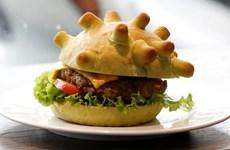 [Video] Burger corona truyền cảm hứng chống dịch COVID-19