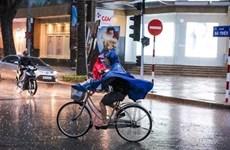Bắc Bộ và Trung Bộ có mưa dông diện rộng kèm thời tiết nguy hiểm