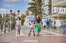 Món quà quý giá với trẻ em Tây Ban Nha trong mùa dịch bệnh COVID-19