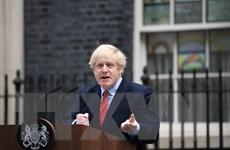 Thủ tướng Anh lần đầu xuất hiện trước công chúng sau điều trị COVID-19